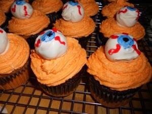 halloween peanut butter ball eyeball cupcakes