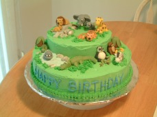 The second jungle cake. I also made a small smash cake with a monkey and some bananas.