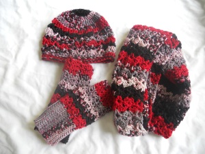 crochet cowl, hat and fingerless mitts set