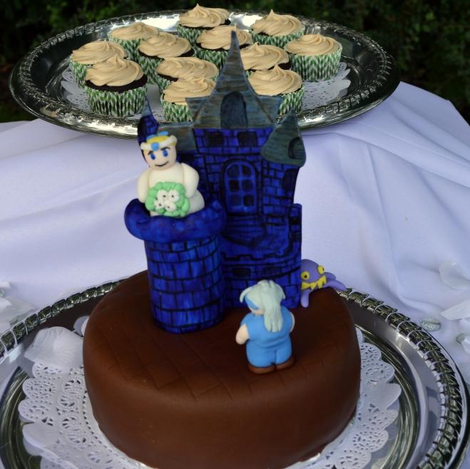 Final Fantasy groom's cake, scene from the opera.