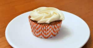 Carrot Cupcakes with Cinnamon Cream Cheese Frosting