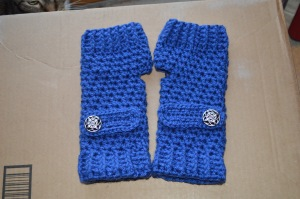 Fingerless mitts for a secret Santa gift exchange