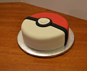 pokemon-ball-cake-2