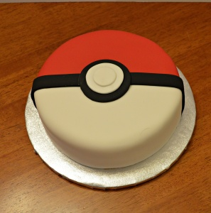 pokemon-ball-cake-3